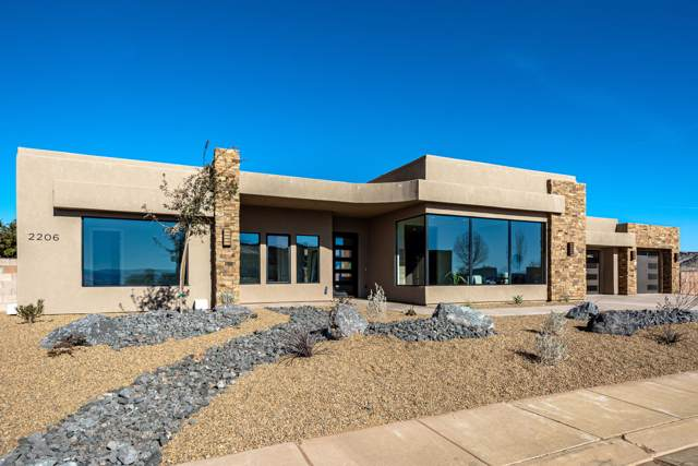 2206 W Silver Cloud Dr, St George, UT 84770 (MLS #20-210098) :: The Real Estate Collective