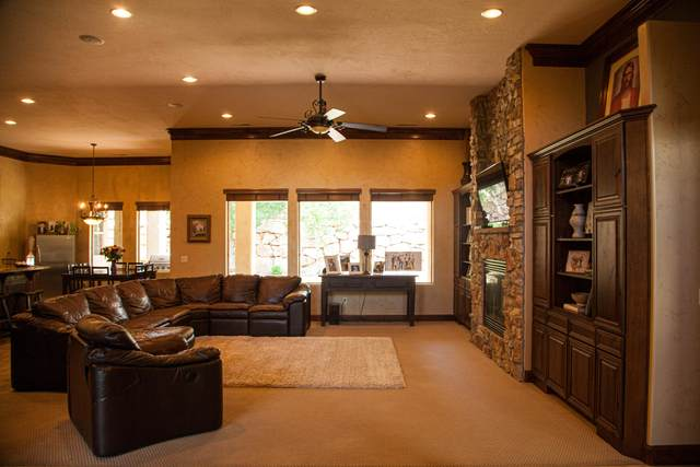 2690 E 1400 S, St George, UT 84790 (MLS #20-213732) :: The Real Estate Collective