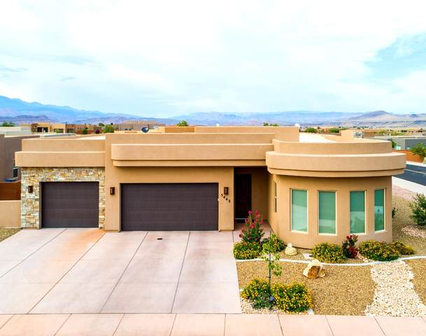 5442 W Desert Hollow, Hurricane, UT 84737 (MLS #20-214672) :: Diamond Group