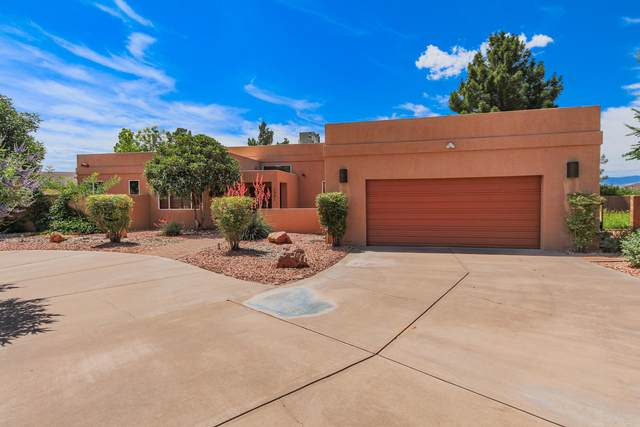 1301 Nicklaus Cir, St George, UT 84790 (MLS #20-214828) :: Selldixie