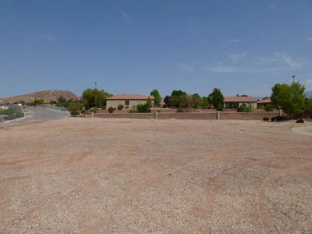 2702 W San Marcus Cir W #84, St George, UT 84770 (MLS #20-216377) :: Team SURGE @ KW St. George