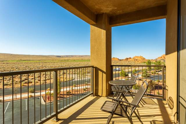 5228 N Villas Dr #4-302, Hurricane, UT 84737 (MLS #20-218098) :: The Real Estate Collective