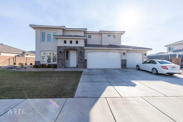 3318 E 3050 S, St George, UT 84790 (MLS #21-219449) :: Team SURGE @ KW St. George