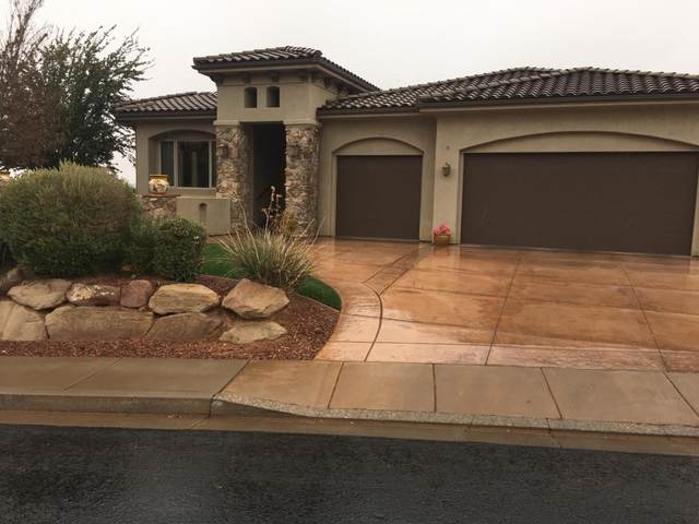 2093 N Lone Rock Dr, St George, UT 84770 (MLS #21-219640) :: The Real Estate Collective