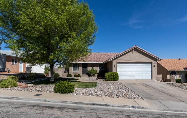 202 N 2750 E, St George, UT 84790 (MLS #21-221708) :: John Hook Team
