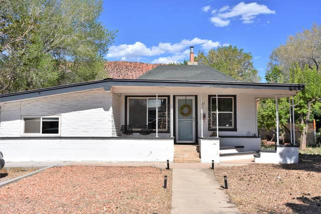 97 S 300 E, Cedar City, UT 84720 (MLS #21-222576) :: Diamond Group