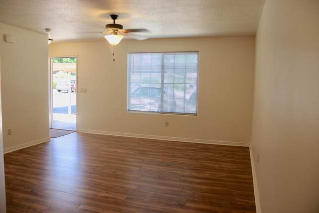 450 W 200 #4, Washington, UT 84780 (MLS #21-223262) :: The Real Estate Collective