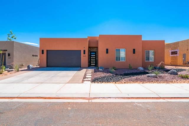 3229 S Hideaway, Hurricane, UT 84737 (MLS #21-223925) :: The Real Estate Collective