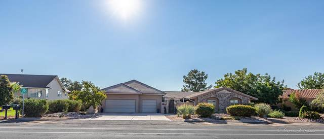 3427 S Bloomington Dr W, St George, UT 84790 (MLS #21-226338) :: Red Stone Realty Team
