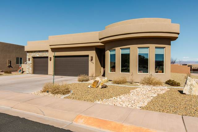 5442 W Desert Hollow Ln, Hurricane, UT 84737 (MLS #20-211322) :: The Real Estate Collective