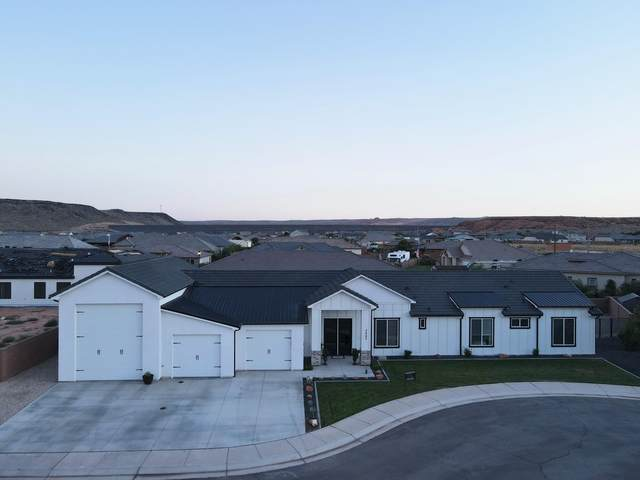 3687 W 2540 S, Hurricane, UT 84737 (MLS #21-226182) :: The Real Estate Collective