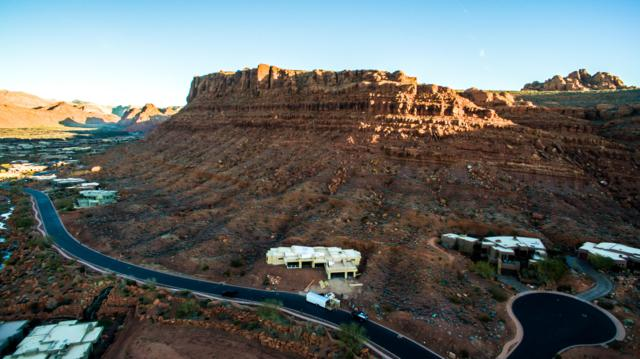2072 W. Entrada Trail, St George, UT 84770 (MLS #18-197571) :: Red Stone Realty Team