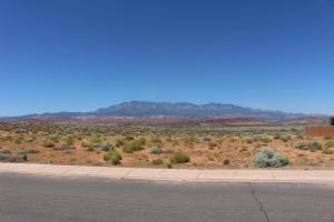 Retreat At Sand Hallow #304, Hurricane, UT 84737 (MLS #17-184105) :: Remax First Realty