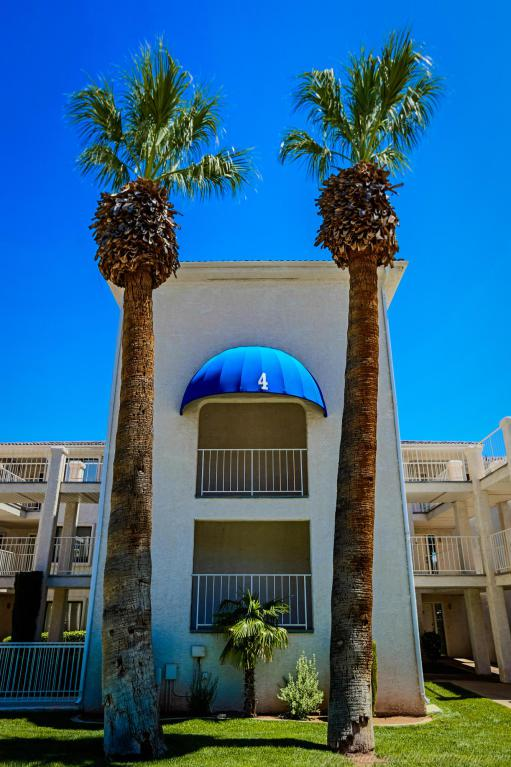1845 W Canyon View Dr #412, St George, UT 84770 (MLS #17-187238) :: Remax First Realty