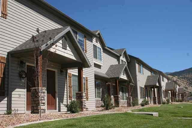 340 W 1425 N #60, Cedar City, UT 84721 (MLS #17-190102) :: Remax First Realty