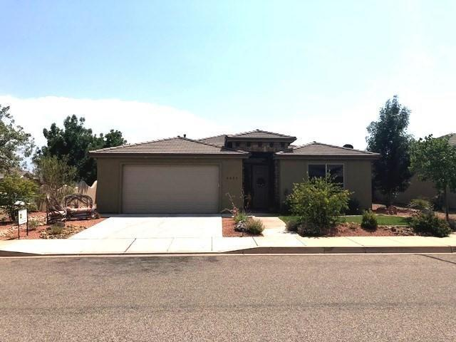 3855 Rachel Dr, Santa Clara, UT 84765 (MLS #18-196375) :: Red Stone Realty Team