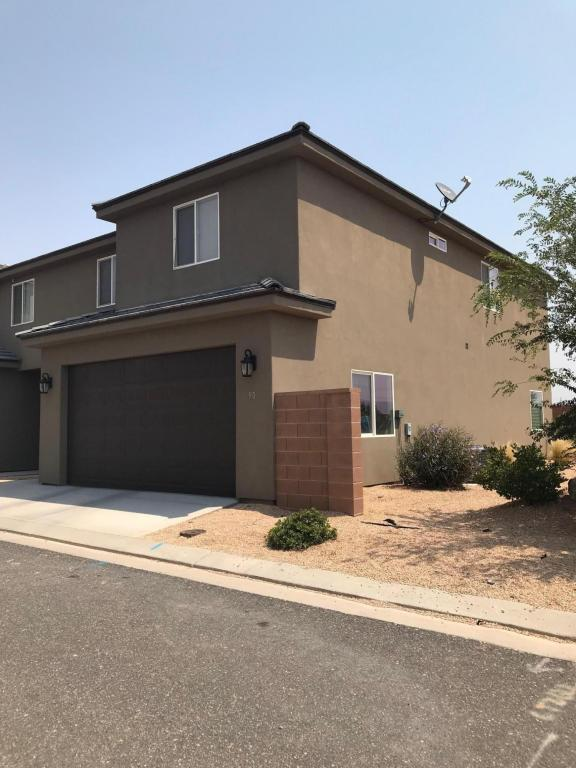 90 S 6130 W, Hurricane, UT 84737 (MLS #18-196660) :: Remax First Realty