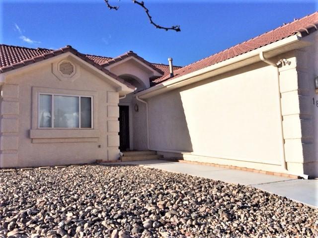 1807 Desert Dawn Dr, Santa Clara, UT 84765 (MLS #18-197545) :: Saint George Houses
