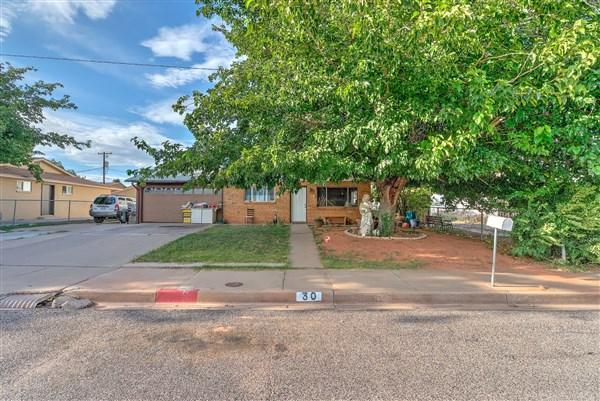 30 W 500 S, St George, UT 84770 (MLS #18-197885) :: The Real Estate Collective