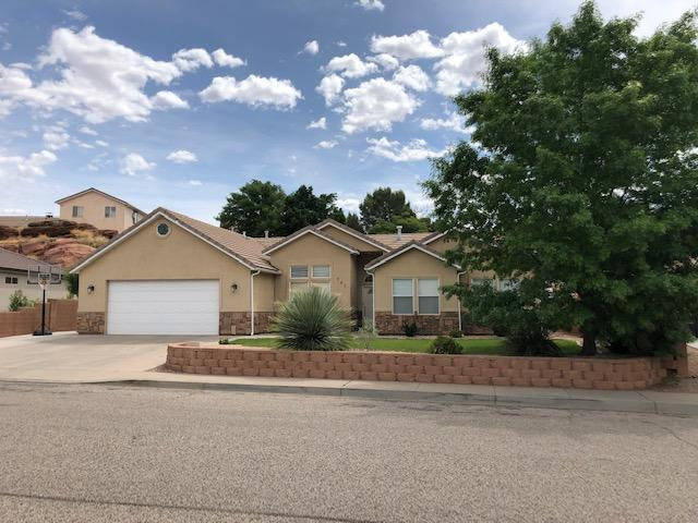 243 S 2060 E, St George, UT 84790 (MLS #19-203741) :: Remax First Realty