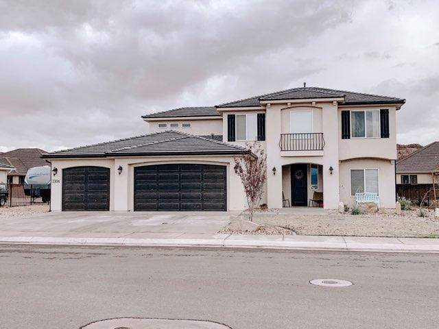 3304 E 3050 S, St George, UT 84790 (MLS #19-208993) :: Remax First Realty