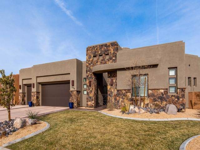 1534 W Fish Rock Rd, St George, UT 84770 (MLS #19-209214) :: St George Team