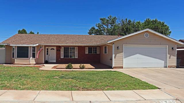 2782 Circle Dr, Santa Clara, UT 84765 (MLS #20-215833) :: Staheli Real Estate Group LLC