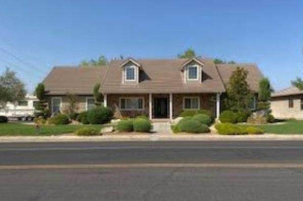 875 Country Ln, Santa Clara, UT 84765 (MLS #20-217854) :: Diamond Group