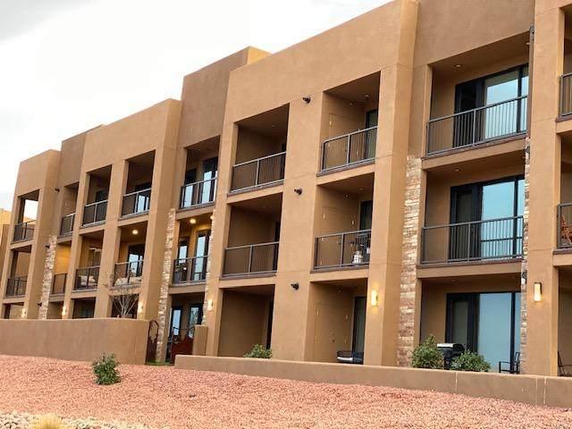 5194 W Villas Dr #5-305, Hurricane, UT 84737 (MLS #20-218505) :: The Real Estate Collective