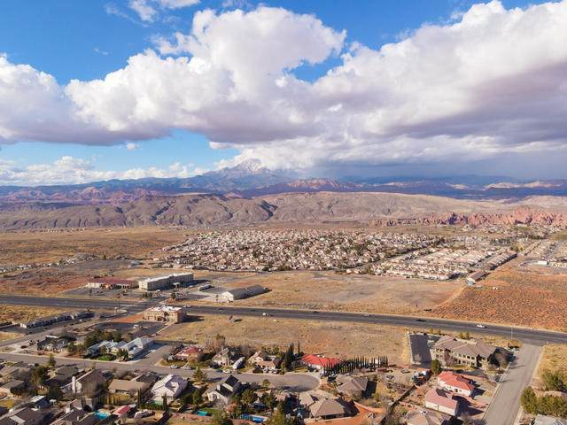 2383 W Valley View Dr #53, Hurricane, UT 84737 (MLS #21-219713) :: Selldixie
