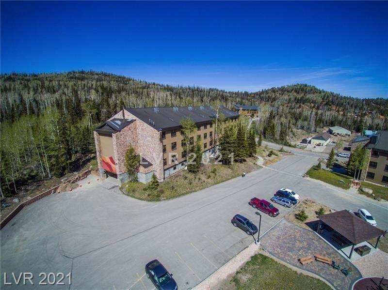 233 Hunter Ridge - Photo 1
