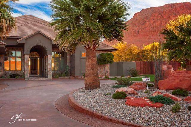 307 Painted Hills Dr, Ivins, UT 84738 (MLS #21-226393) :: Selldixie