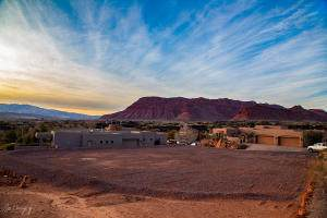 3052 N Snow Canyon Parkway #128, St George, UT 84770 (MLS #21-226513) :: The Real Estate Collective