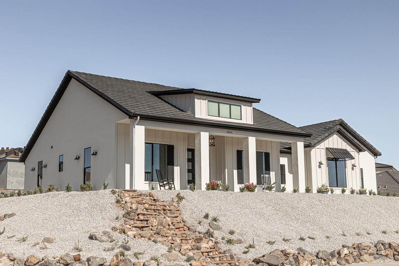 1806 Andesite Dr - Photo 1