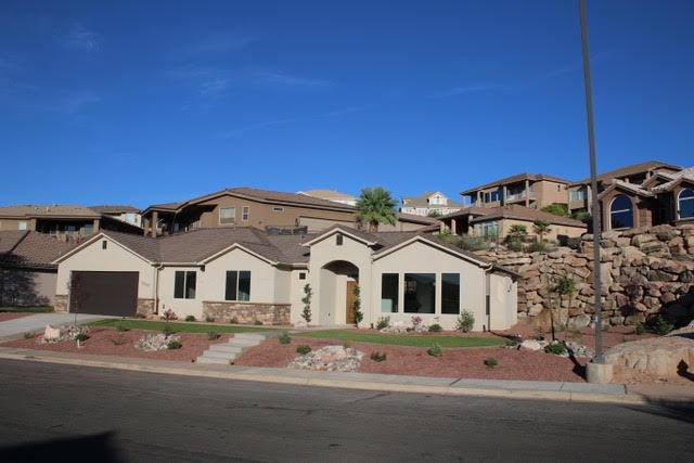 2337 S 1400 E, St George, UT 84790 (MLS #18-196485) :: Red Stone Realty Team