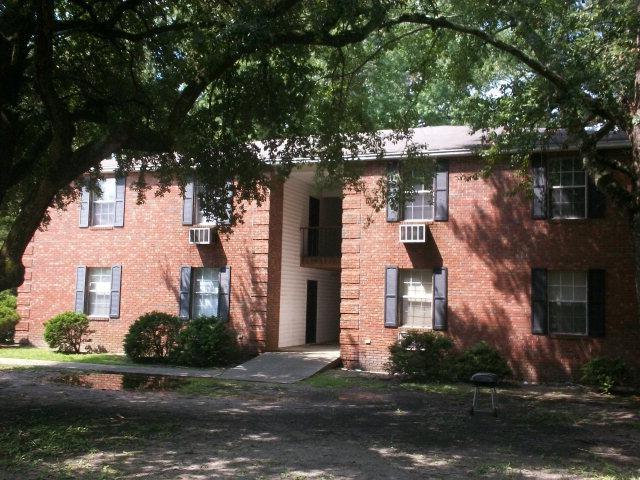 120 Engleside Drive Apt. 156, Sumter, SC 29150 (MLS #140508) :: Gaymon Gibson Group