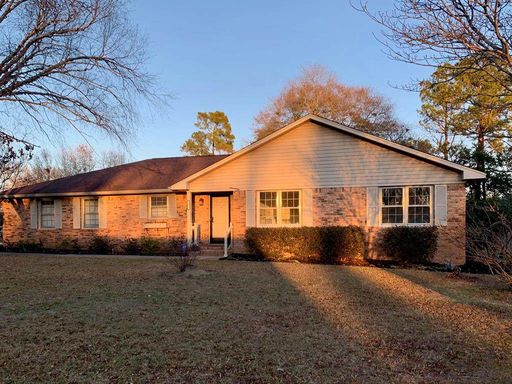1065 Twin Lakes Dr - Photo 1