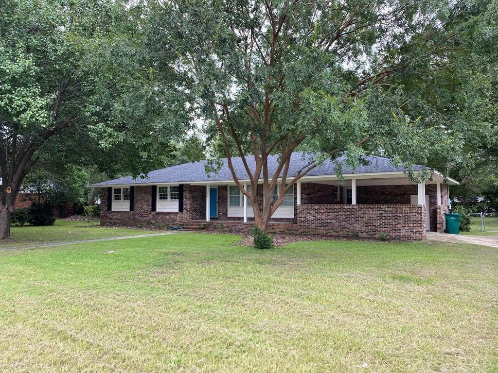 1051 Sweetbriar Dr - Photo 1