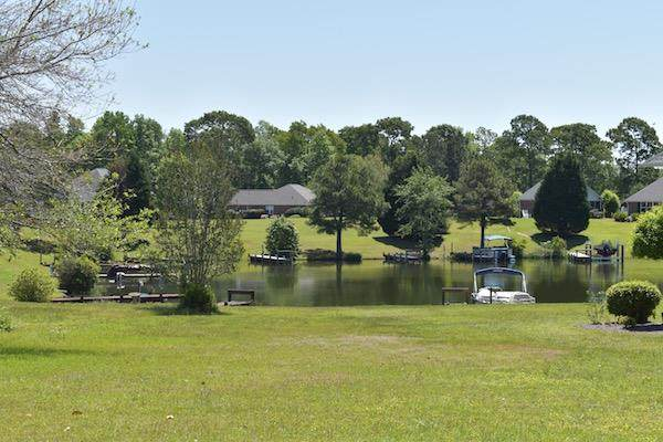 43 North Lake Cr., Manning, SC 29102 (MLS #145040) :: The Litchfield Company