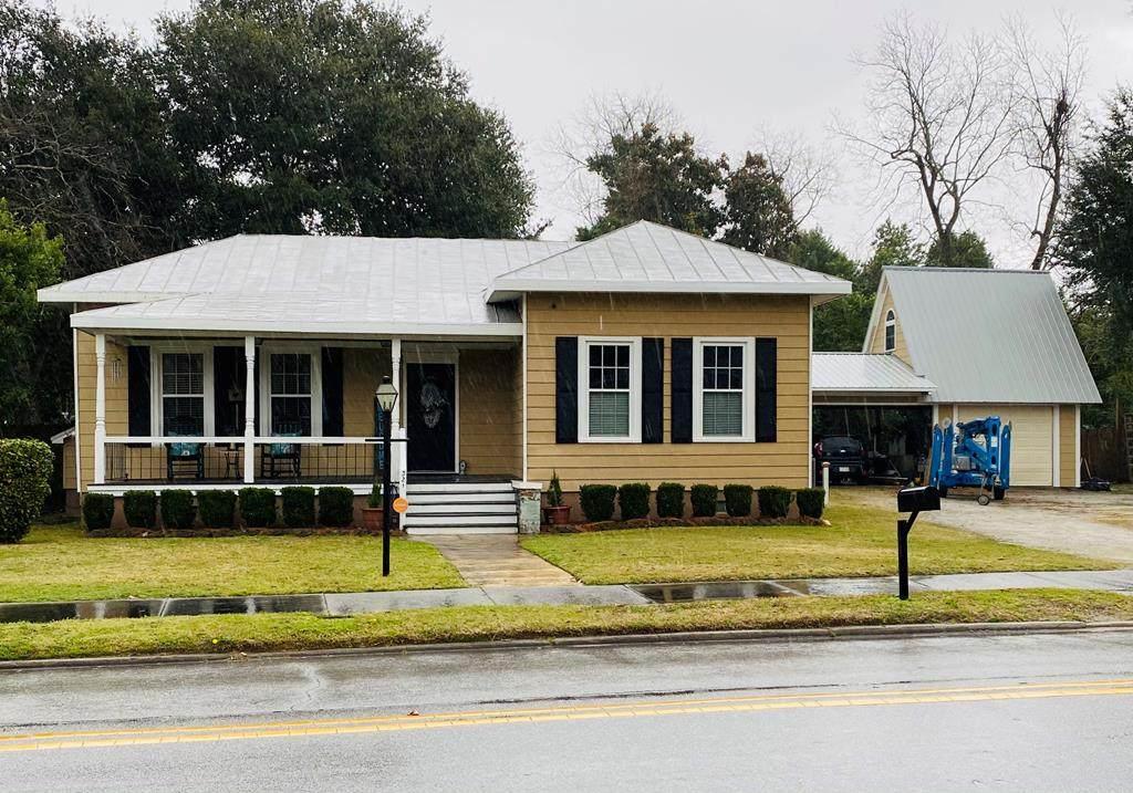 321 N Salem Ave - Photo 1