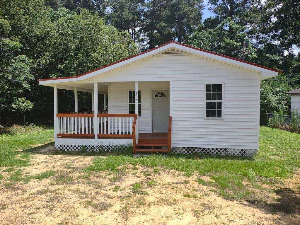 212 South Oak St - Photo 1