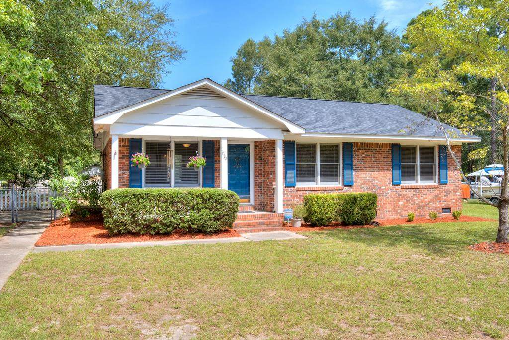 1010 Meadow Dr - Photo 1