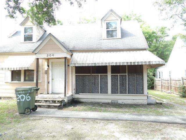 206 Crescent Ave, Sumter, SC 29150 (MLS #149411) :: The Litchfield Company