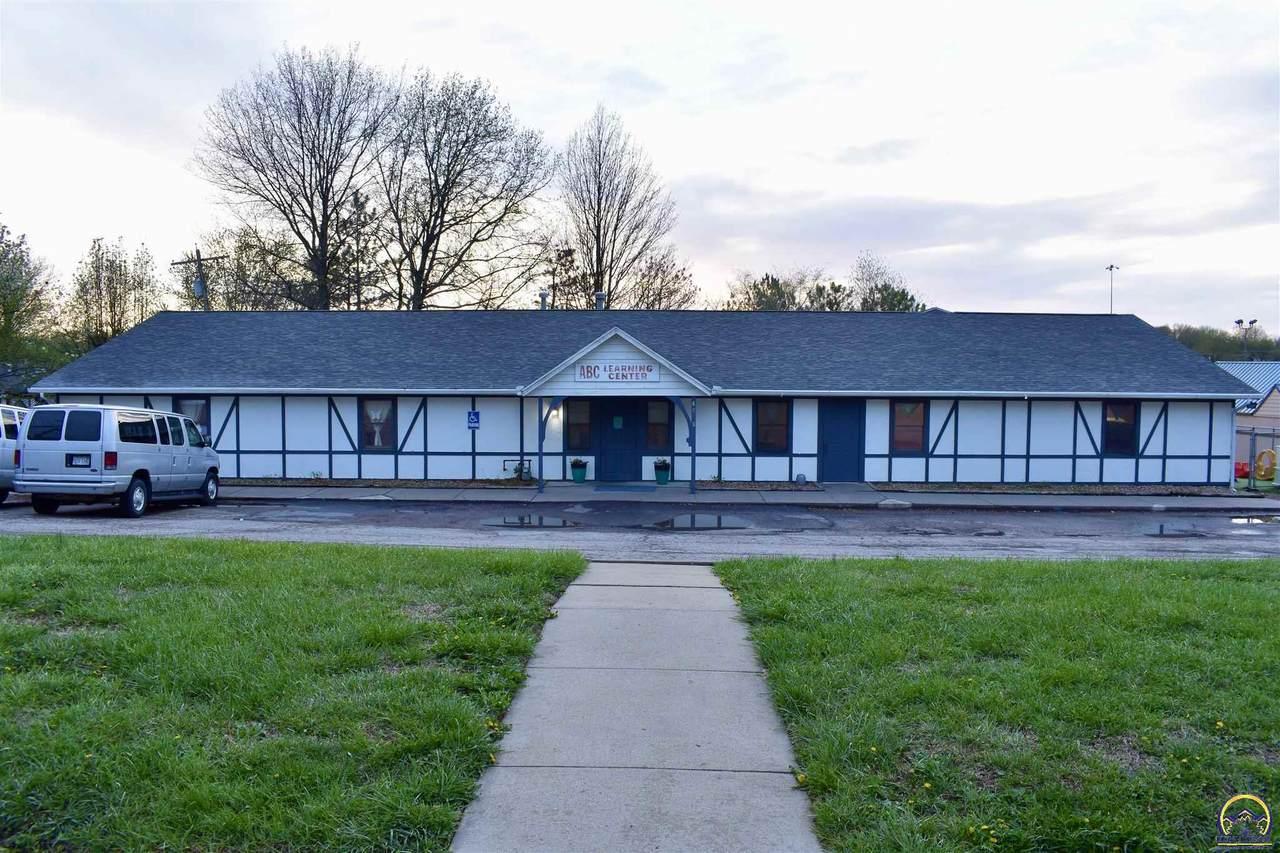 4501 Oakley Ave - Photo 1