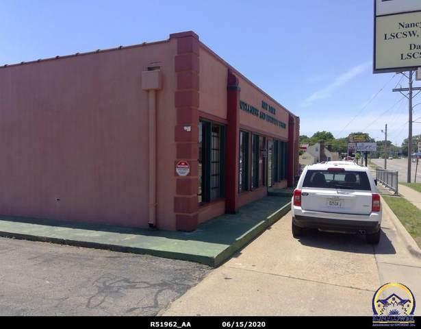 4015 SW 21st St, Topeka, KS 66604 (MLS #215412) :: Stone & Story Real Estate Group
