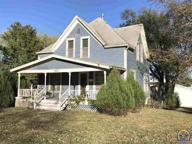 609 Frazier St, Valley Falls, KS 66088 (MLS #215649) :: Stone & Story Real Estate Group