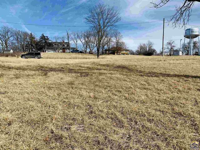 904 Mulberry St, Valley Falls, KS 66088 (MLS #217067) :: Stone & Story Real Estate Group