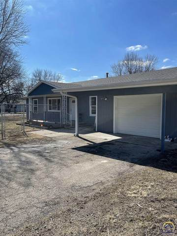 319 S 3rd St, Carbondale, KS 66414 (MLS #217101) :: Stone & Story Real Estate Group