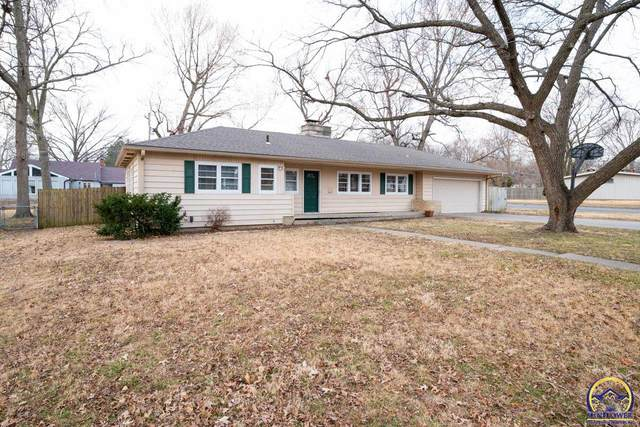 3639 SW Stratford Rd, Topeka, KS 66604 (MLS #217267) :: Stone & Story Real Estate Group