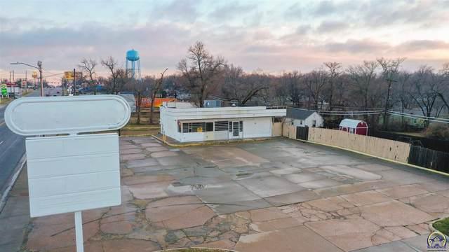 2701 SE California Ave, Topeka, KS 66605 (MLS #217451) :: Stone & Story Real Estate Group